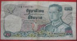 20 Baht 1981 (WPM 88) - Thailand