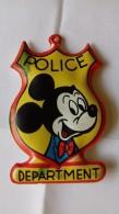 Figurina MIO LOCATELLI Plasteco Serie PAPERINO NEL MEDIOEVO N. 5 PAPERINO E CICCIO -  Topolino Paperino Disney - Disney