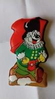Figurina MIO LOCATELLI Plasteco Serie PAPERINO E LE MASCHERE N. 5 BALANZONE REGGIO EMILIA - Topolino Paperino Disney - Disney