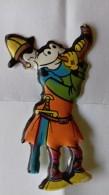 Figurina MIO LOCATELLI Plasteco Serie I VICHINGHI - N. 8 ORAZIO E IL CORNO Topolino Paperino Disney - Disney