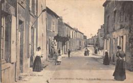 85-LA CHATAIGNERAIE - LA GRANDE RUE - La Chataigneraie