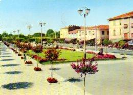 Marina Di Carrara - La Piazza - Carrara