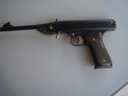 Pistolet A Air Comprimé Fonctione  Mondial Oklahoma  Calibre 4,5 Made In Italie - Sammlerwaffen