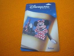 Disneyland Paris Eurodisney Disney Magnetic Entrance Card (Minnie Mouse) - Disney