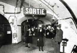 """Métro Paris - Poinçonneur - Collection """"Chic Et Choc"""" - Stations, Underground"""