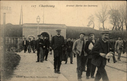 50 - CHERBOURG - ARSENAL - SORTIE OUVRIERS - Cherbourg