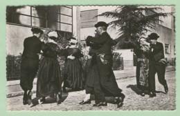 FOLKLORE DE VENDEE - 44 - Edts Artaud - Costumes Maraichins. Ronde Maraichine 3è Figure De La Grande Danse (recto-verso) - Costumes