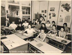 ECOLE   MOYENNE  DE  IETAT   FONTAINE  L' EVEQUE _   24 OP 18 CM      (  Zie Scan  Onderkant  ) - Foto's
