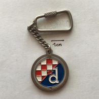 Pendant SU000004 - Football (Soccer / Calcio) Hrvatska (Croatia) Dinamo Zagreb Keychain - Habillement, Souvenirs & Autres