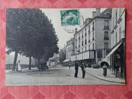 Dep 77 , Cpa MEAUX , Le Quai Victor Hugo (019) - Meaux