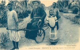 BRAZZAVILLE MGR AUGOUARD EN POUSSE-POUSSE - Brazzaville