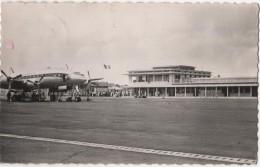 GUADELOUPE Pointe à Pitre ---- AEROPORT DU RAIZET --- CONSTELLATION D' AIR FRANCE - Aerodromi