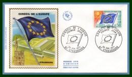 FDC Silk Soie Conseil De L' Europe Strasbourg 1971 N° S 33 Drapeau Flag - FDC