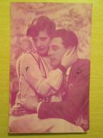 Romantic Love Couple Postcard By A. Noyer , France 1928 - Couples