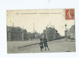 CPA  - Levallois Perret  -  Place Collange - Les Abattoirs - Levallois Perret