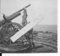 Soldats Allemands Devant Un Canon De 75mm Français Réutilisé En FLAK Canon Anti Aérien 1 Photo 1914-1918 14-18 Ww1 Wk1 - Guerre, Militaire