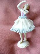 Tänzerin Mit Blau/weißem Kleid (84) - Dresdner Porzellan (DEU)