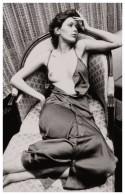 Sexy SYLVIA KRISTEL Actress PIN UP Postcard - Publisher RWP 2003 (04) - Artistes
