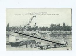 CPA - Port De Levallois Perret - La Quai De Débarquement Est Désservi Par La Grue Sur Une Longueur De 450 Mètres - Levallois Perret