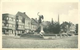 IZEGEM - Standbeeld 1914-1918 - Izegem