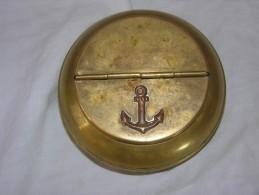 Cendrier Militaire / Cendrier Pour La Marine / Cendrier En Cuivre Jaune Avec Ancre De Marine / Cendrier Militaire Ww2 ?? - 1939-45