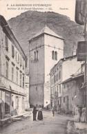 73 - Saint-Jean-de Maurienne - Une Rue Animée - Saint Jean De Maurienne