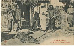 Cochinchine 70 Mytho Le Parc Aux Caimans Crocodile Colon Avec Appareil Photo Edit A.T. - Vietnam