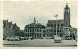 ROESELARE - Grote Markt En Stadhuis - Roeselare