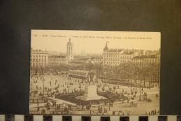 Cp, 69, LYON,  Place Bellecour Tracée En 1647, La Charité,le Royal Hotel - Other