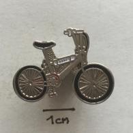 Badge (Pin) ZN002393 - Bicycle - Transportation