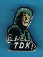 1 PIN'S  //    ** TDK ! ** PAUL McCARTNEY ** . (TDK) - Celebrities