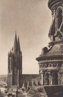 50 - COUTANCES. - Les Tours De La Cathédrale Vues De L´Eglise Saint-Pierre - Le Goubey - Coutances
