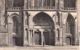 50 - COUTANCES. - La Cathédrale - Le Portail ND Phot. - Coutances