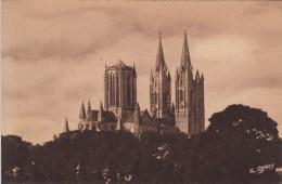 50 - COUTANCES. - La Cathédrale - Vue Du Nord-Est - Coutances