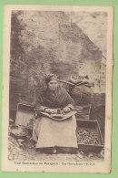 Décorticage Des Noix : Une Enoiseuse En Périgord. Une Nouhaillayro. Métier . 2 Scans. Edition PDS - Zonder Classificatie