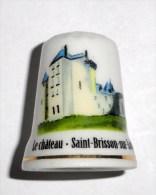 De A Coudre En Porcelaine  Chateau De Saint Brisson Sur Loire - Dedales