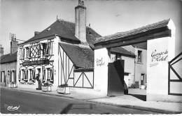 18 - AUBIGNY SUR NERE : Auberge Du Cheval Rouge ( Hotel Restaurant ) Faubourg D'Argent - CPA - Cher BERRY - Aubigny Sur Nere