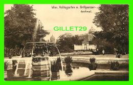 WIEN, AUTRICHE - VIENNE - VOLKSGARTEN M. GRILLPARZER-DENKMAL - ANIMATED  - KUPFERDRUCK-KUNSTLERKARTE, 1909  - - Vienne
