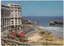 Biarritz: CITROËN GS, RENAULT 4 & 6, SIMCA 1000, FIAT 500, PEUGEOT 504, AUSTIN MINI   - Le Casino Bellevue - Toerisme