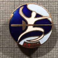 """ULTRA RARE OFFICIAL J.F.F JAPAN FEDERATION FENCING 1960""""S BADGE PIN LOWER PRICE - Fencing"""