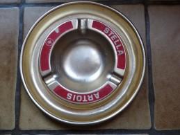 BRASSERIE - CENDRIER  --  STELLA ARTOIS   --    Doré -rouge, Rond, Diamètre 19 Cm,  Métal - Cendriers