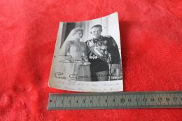 Photo Carte Postale Officielle Du Prince Rainier Et La Princesse Grace De Monaco Avec Des Signatures Visibles 1956 - Photos