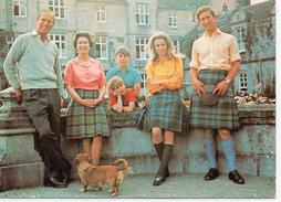 Angleterre.. Famille Royale à Balmoral Photographe Patrick Lichfield La Reine Elizabeth Le Duc D'Edimbourg - Angleterre