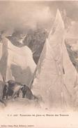 Pyramides De Glace Au Glacier Des Bossons - France