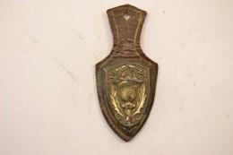 Insigne 408° Bataillon De Commandement Et Services, Dos Lisse Embouti. A.B. PARIS G2210 Deux Anneaux. 408 BCS - Police & Gendarmerie