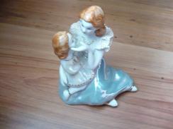 Figurengruppe  Mutter Mit Tochter    (165) - Ceramics & Pottery