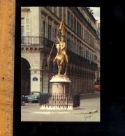 PARIS 75001 : La Place Des Pyramides Statue équestre De Jeanne D'Arc Par Fremiet / Automobile Renault Caravelle 1100 - Distrito: 01
