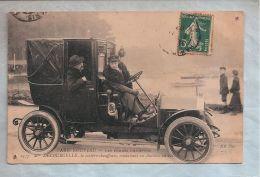 CPA - Paris Nouveau (75) - 2337. Les Femmes Chauffeur - Mme Decourcelle, La Cochère-chauffeuse Conduisant Un Autotax ... - Taxi & Carrozzelle