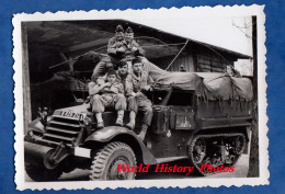 Photo Ancienne - SPEYER SPIRE - Groupe De Militaire Régiment à Identifier Auto Chenilles Engin Militaire Camion Marquage - Guerre, Militaire