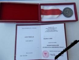 SREBRNY MEDAL ZA ZASŁUGI DLA OBRONNOŚCI KRAJU+LEG. Medal Of Merit For National Defence - Poland-Pologne - Médailles & Décorations